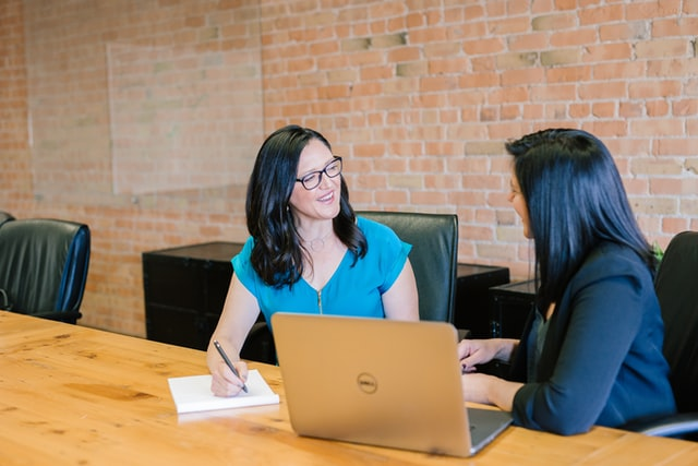 business-insurnace-broker-meeting